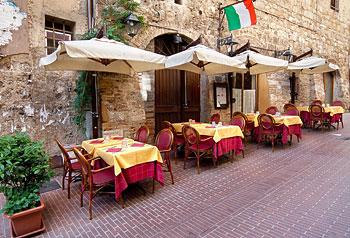 Restaurantbesøg i Italien - danitalia ferieboliger i italien med egen pool
